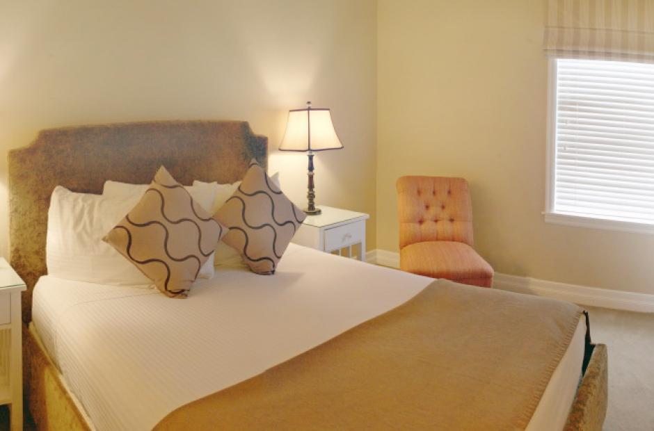 Sealy Posturepedic Forestwood Plush Euro Pillowtop
